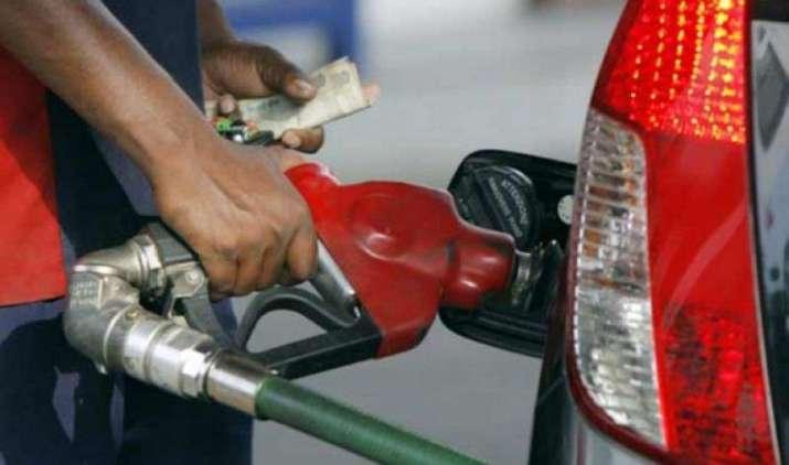 आम लोगों को सस्ते दामों पर मिलें पेट्रोलियम उत्पाद, सरकार कर रही है इसके लिए ये प्रयास- India TV Paisa