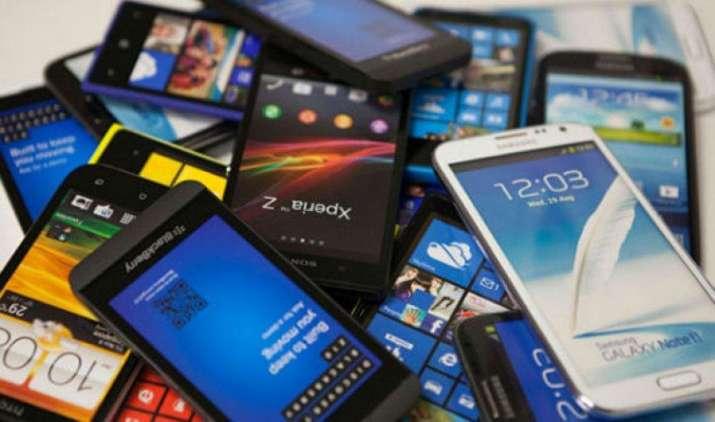 सैमसंग के स्मार्टफोन हो सकते हैं सस्ते, जियो को टक्कर देने के लिए दूसरी टेलिकॉम कंपनियां भी कम कर सकती हैं कीमतें- India TV Paisa