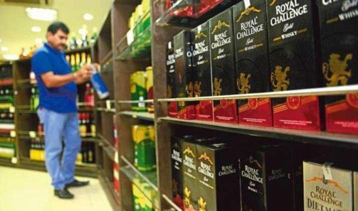 राजमार्गों पर शराब बिक्री की रोक से उबरी शराब कंपनियां, यूनाइटेड स्पिरिट्स का शुद्ध लाभ 44 प्रतिशत बढ़ा- IndiaTV Paisa