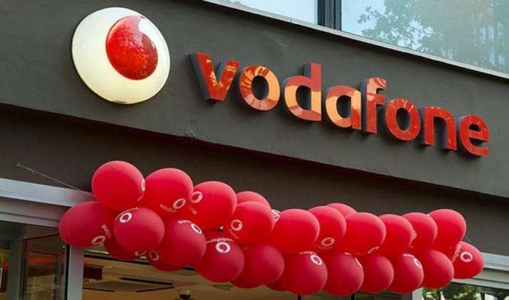 वोडाफोन ने लॉन्च किया जियो जैसा प्लान, 496 रुपए के रिचार्ज पर 84 दिनों के लिए मिल रही हैं ये सुविधाएं- India TV Paisa
