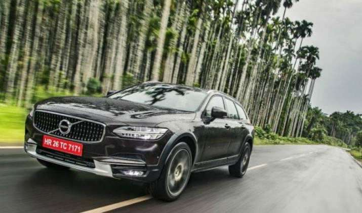 Volvo ने भारत में लॉन्च की बेहतरीन लुक और फीचर्स वाली V90 क्रॉस कंट्री, कीमत 60 लाख रुपए- India TV Paisa