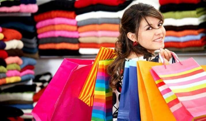 मुंबई में 24 घंटे कर सकेंगे शॉपिंग? राज्य सरकार ने विधानसभा में पेश किया नया बिल- IndiaTV Paisa