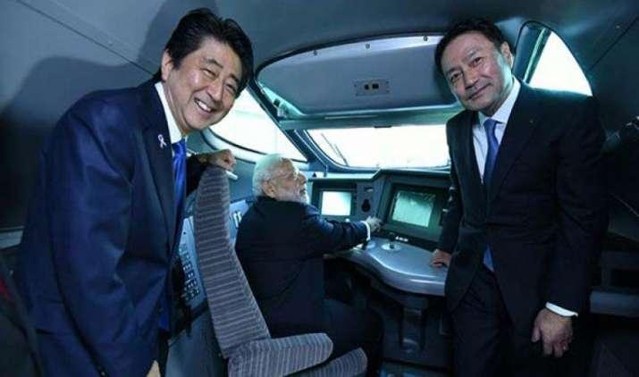 साकार होने वाला है बुलेट ट्रेन का सपना, PM मोदी और जापान के प्रधानमंत्री शिंजो आबे ने रखी आधारशिला- India TV Paisa