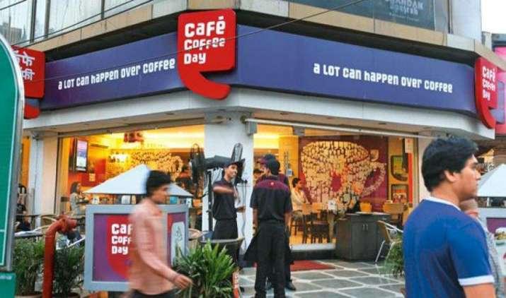 कैफे कॉफी डे के मालिक वीजी सिद्धार्थ के घर पर इनकम टैक्स का छापा, कर्नाटक के पूर्व मुख्यमंत्री से है ये रिश्ता- India TV Paisa