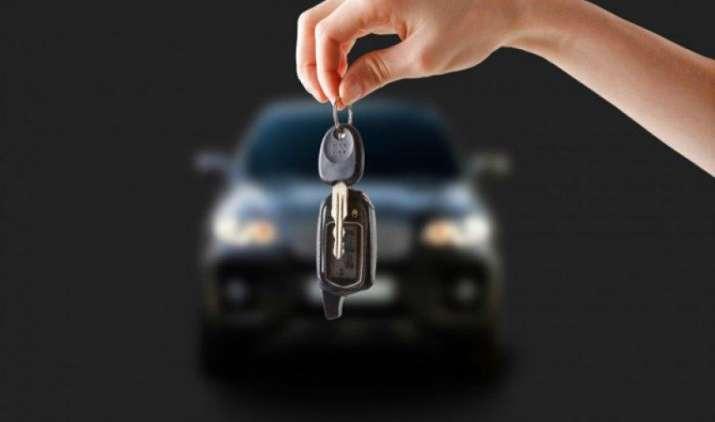 BMW अपनी कारों के लिए चाबी बनाना कर सकता है बंद, मोबाइल ऐप से कार को खोलने और स्टॉर्ट करने की योजना- India TV Paisa