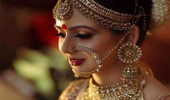 सर्जिकल स्ट्राइक से निवेश के लिए बढ़ी सोने की मांग, दिल्ली में भाव हुआ 31,000 रुपए प्रति दस ग्राम- India TV Paisa