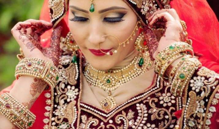 आज फिर है सोना खरीदने का मौका, भाव 250 रुपए घटकर 30750 रुपए हुआ- IndiaTV Paisa