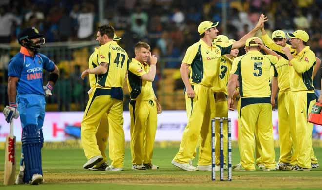 Richardson with team mates celebrates after dismissing...- Khabar IndiaTV