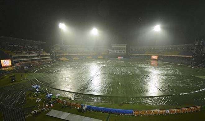 rain in stadium- India TV