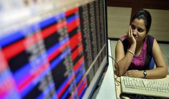 शेयर बाजार में बढ़ी गिरावट, निफ्टी 9700 के नीचे लुढ़का, सेंसेक्स में भी बिकवाली- India TV Paisa