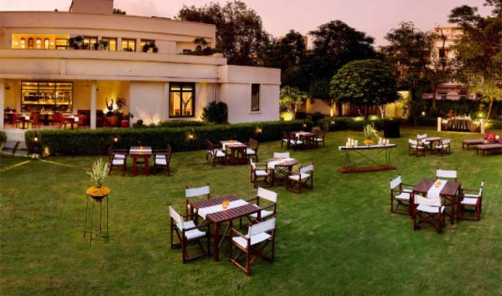 मात्र 1,999 रुपए में लीजिए 5 स्टार होटल के मजे, त्योहारी सीजन में कंपनी दे रही है खास ऑफर- IndiaTV Paisa