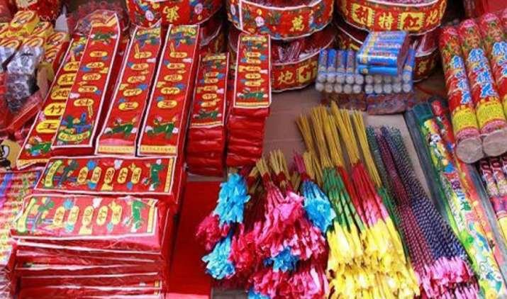 अवैध तरीके से आयातित 104 करोड़ रुपए के पटाखे पकड़े, सरकार ने की मेड इन इंडिया का उपयोग करने की अपील- IndiaTV Paisa