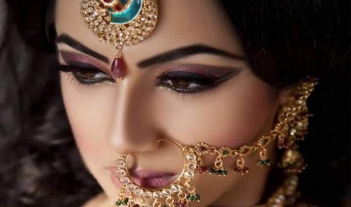 सोने के आयात में 18% गिरावट लेकिन चांदी का इंपोर्ट 86% बढ़ा, त्योहारी सीजन के बावजूद सोने के इंपोर्ट में कमी- India TV Paisa