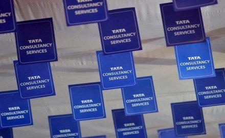 TCS का शुद्ध मुनाफा Q2 में 2% घटकर रहा 6,446 करोड़ रुपए, राजस्व 4.3 प्रतिशत बढ़ा- IndiaTV Paisa
