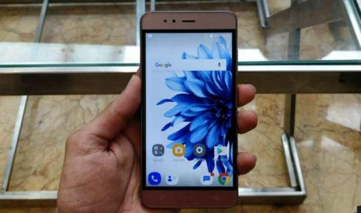 घट गई InFocus Turbo 5 स्मार्टफोन की कीमत, अमेजन इस फोन की खरीदारी पर दे रही है 45GB डाटा- India TV Paisa