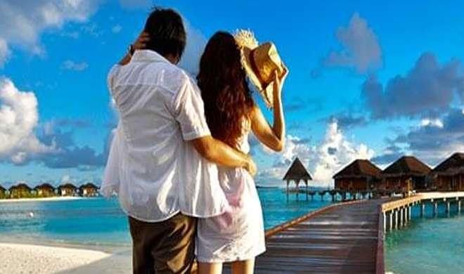 Honeymoon couple- Khabar IndiaTV
