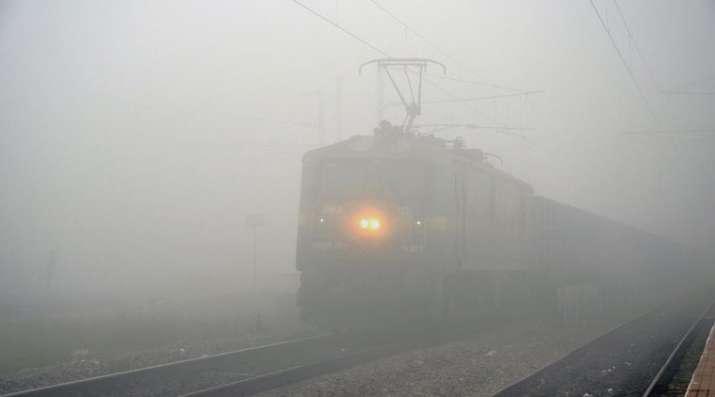 train-fog- Khabar IndiaTV