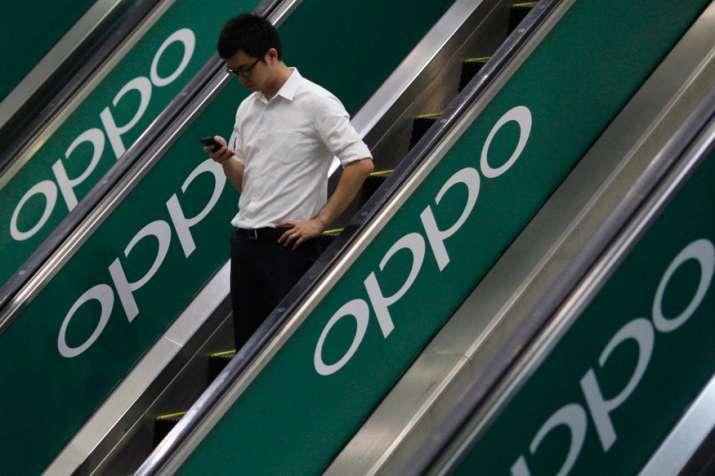 8 गुना बढ़ गई Oppo की...- India TV Paisa