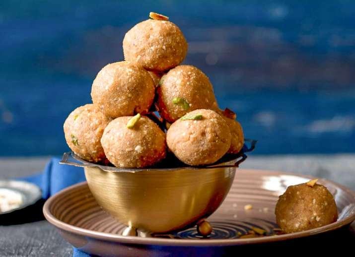 Sonth ke Ladoo Recipe- India TV