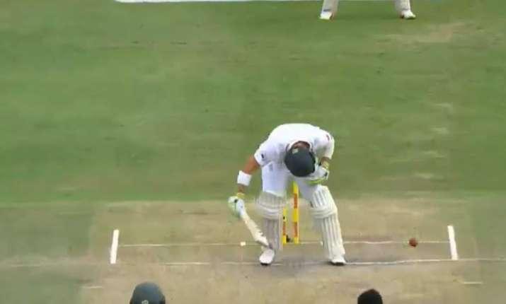 Algar being hit on head- India TV