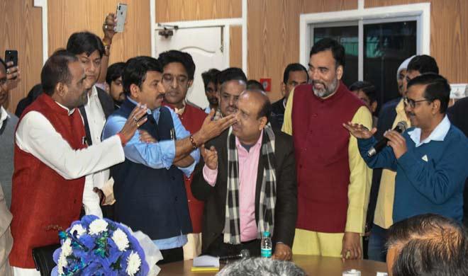 manoj tiwari and arvind kejriwal- India TV