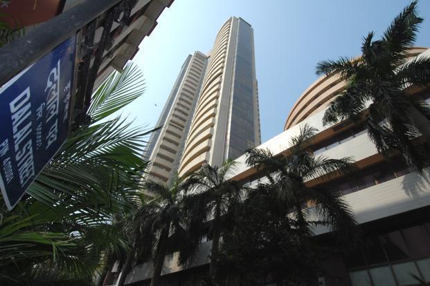 Sensex surpasses 34800 level, Nifty also at new high- India TV Paisa