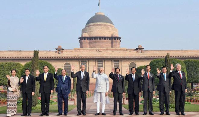 pm modi with asean leaders- India TV