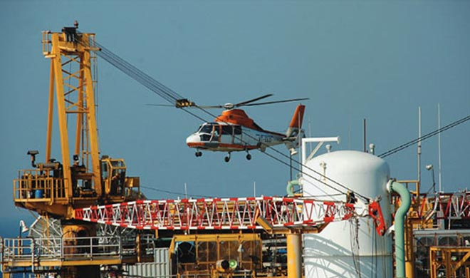 Mumbai-Helicopter-with-7-on-board-including-ONGC-staff-goes-missing- India TV
