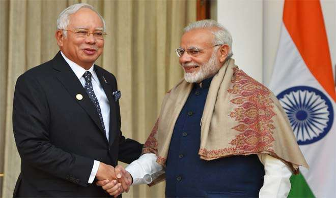 PM modi and asean leader- India TV