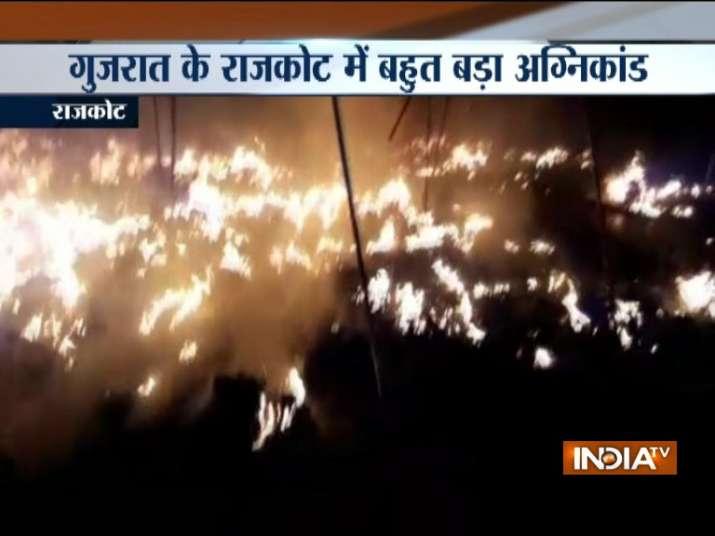 Gujarat-3-girls-dead-in-fire-tragedy-at-Rashtra-Katha-Shibir-in-Rajkot- Khabar IndiaTV