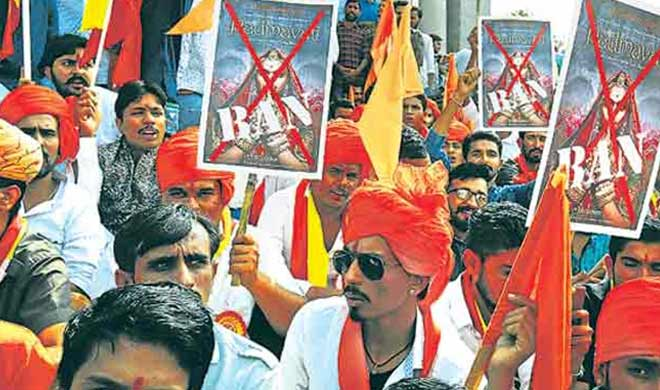 Padmaavat protests DND flyover toll booths damaged in Noida- India TV
