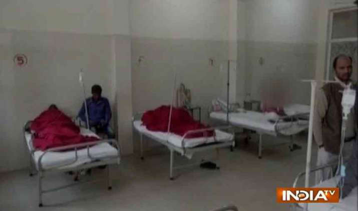 Uttar-Pradesh-40-HIV-positive-cases-reported-after-quack-uses-same-syringe-at-health-camp-in-Unnao- India TV