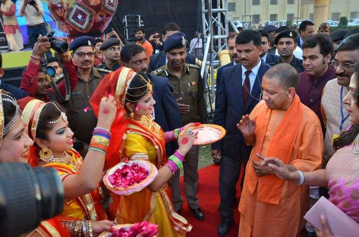 Yogi-Adityanath-Holi-celebration-in-Mathura-and-Barsana- Khabar IndiaTV