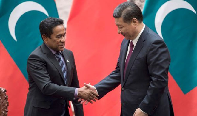 Abdulla Yameen and Xi Jinping | AP Photo- Khabar IndiaTV