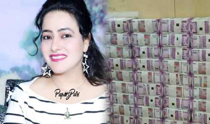2-vans-loaded-with-Rs-250-crore-cash-left-Dera-Sacha-Sauda-day-after-Panchkula-violence-goes-missing- India TV