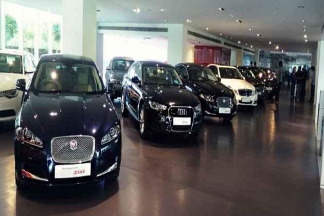 luxury car- IndiaTV Paisa