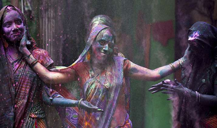 Only-women-play-holi-in-this-village-of-India- India TV