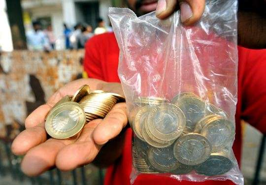 polythene sachets at counters- IndiaTV Paisa