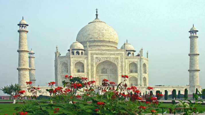 Uttar-Pradesh-BJP-Yogi-govt-move-to-start-Taj-Mahotsav-with-play-on-Ram-row- Khabar IndiaTV