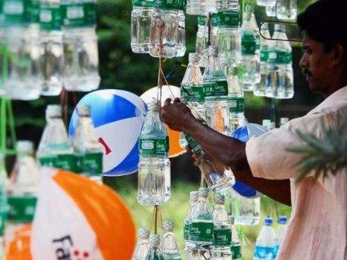 Plastic particles found in bottled water- India TV Paisa