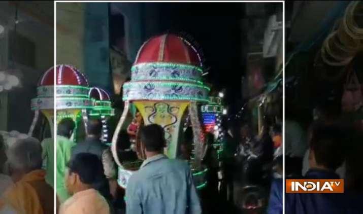 Madhya-Pradesh-Angry-elephant-creates-rucksack-in-marriage-procession-in-Sagar- Khabar IndiaTV