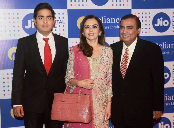 Reliance Industry slips to 2nd spot- IndiaTV Paisa