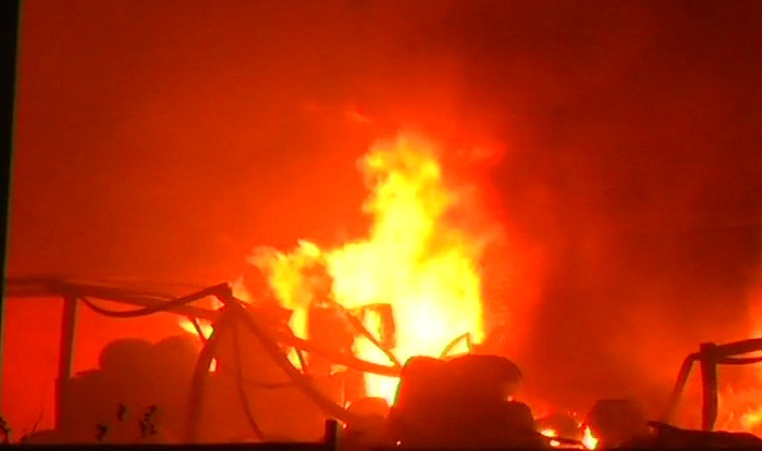 Maharashtra-Fire-breaks-out-at-chemical-factory-in-Palghar- Khabar IndiaTV