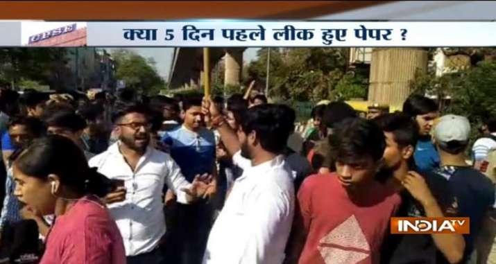 student protest against paper leak- India TV