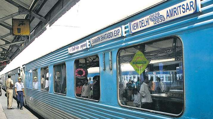 Shatabdi Express- IndiaTV Paisa