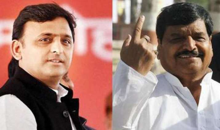 Shivpal-Yadav-congratulates-Akhilesh-and-SP-workers-for-Lok-Sabha-bypoll-victory-in-UP- India TV