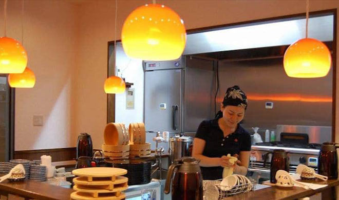 japan restaurant mirai shokudo lets customers eat for free- Khabar IndiaTV