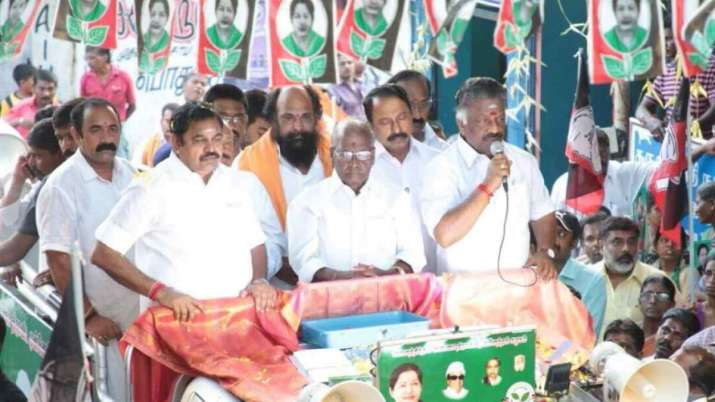 AIADMK observes fast over Cauvery issue- India TV