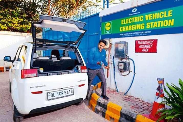 charging station - IndiaTV Paisa