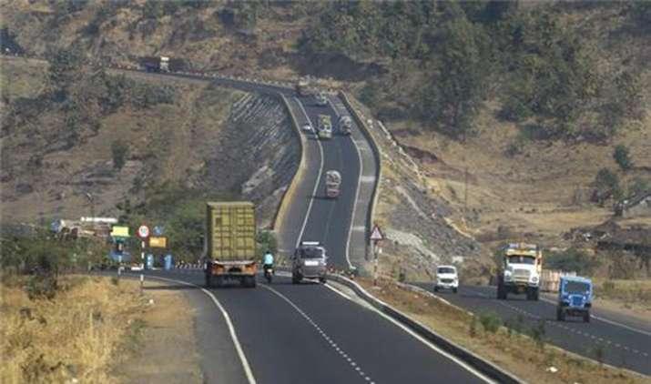 Delhi-Mumbai expressway to be completed by 2021, says Nitin Gadkari- India TV